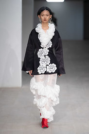 London Fashion Week Autumn Winter 2020 - Yuhan Wan