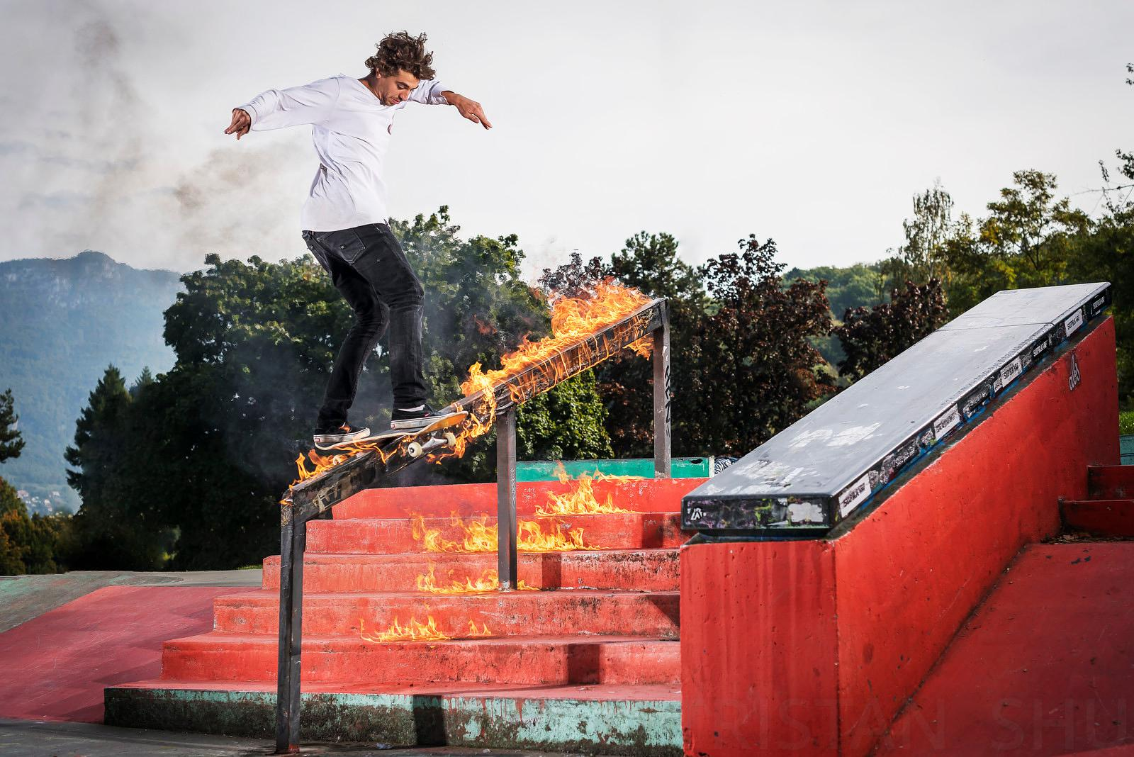 Smokin Frontside Boardslide with Tom Lafait