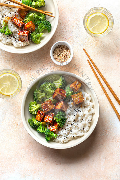 Vegan tofu and broccoli teriyaki bowl.