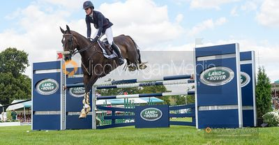 Ariel Grald and LEAMORE MASTER PLAN - Show jumping and prizes - Land Rover Burghley Horse Trials 2019