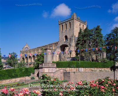 Image - Jedburgh Abbey, Scottish Borders, Scotland