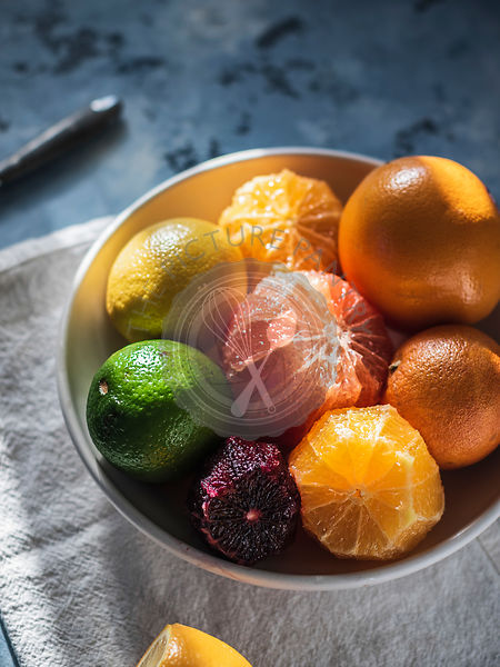 Citrus fruits in the bowl