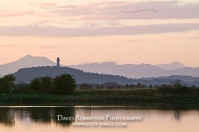 Image - River Forth and Wallace Monument, Scotland