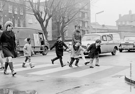 #77318,  Kids learning road safety and how to cross a road, Vittoria Primary School, Islington, London.  1970.