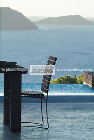 Chaise en teck de Royal Botania. Villa SIX à Saint-Barthélémy (location Wimco). Antilles