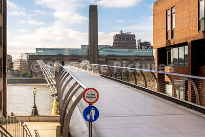 The empty Millennium Bridge during the Corona Virus outbreak