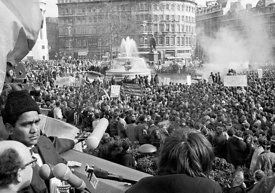 #70363,  Anti-Vietnam war demonstration march from Trafalgar Sq to Grosvenor Sq Sunday 17th March 1968.
