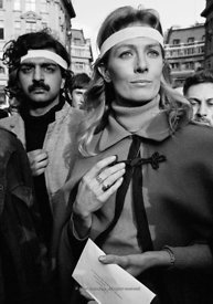#70436,  Vanessa Redgrave & Tariq Ali with the letter to the American Ambassador, anti-Vietnam War demonstration from Trafalg...