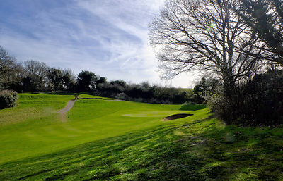 Guildford Golf Club Est 1886