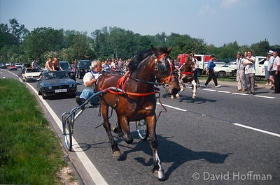 Illegal Gypsy trotting road race on the A20, Kent 3 July 1990.