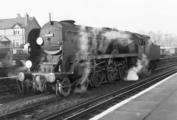 Steam loco BB 34088 Guildford