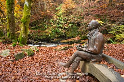 Image - Robert Burns statue, The Birks, Aberfeldy, Scotland