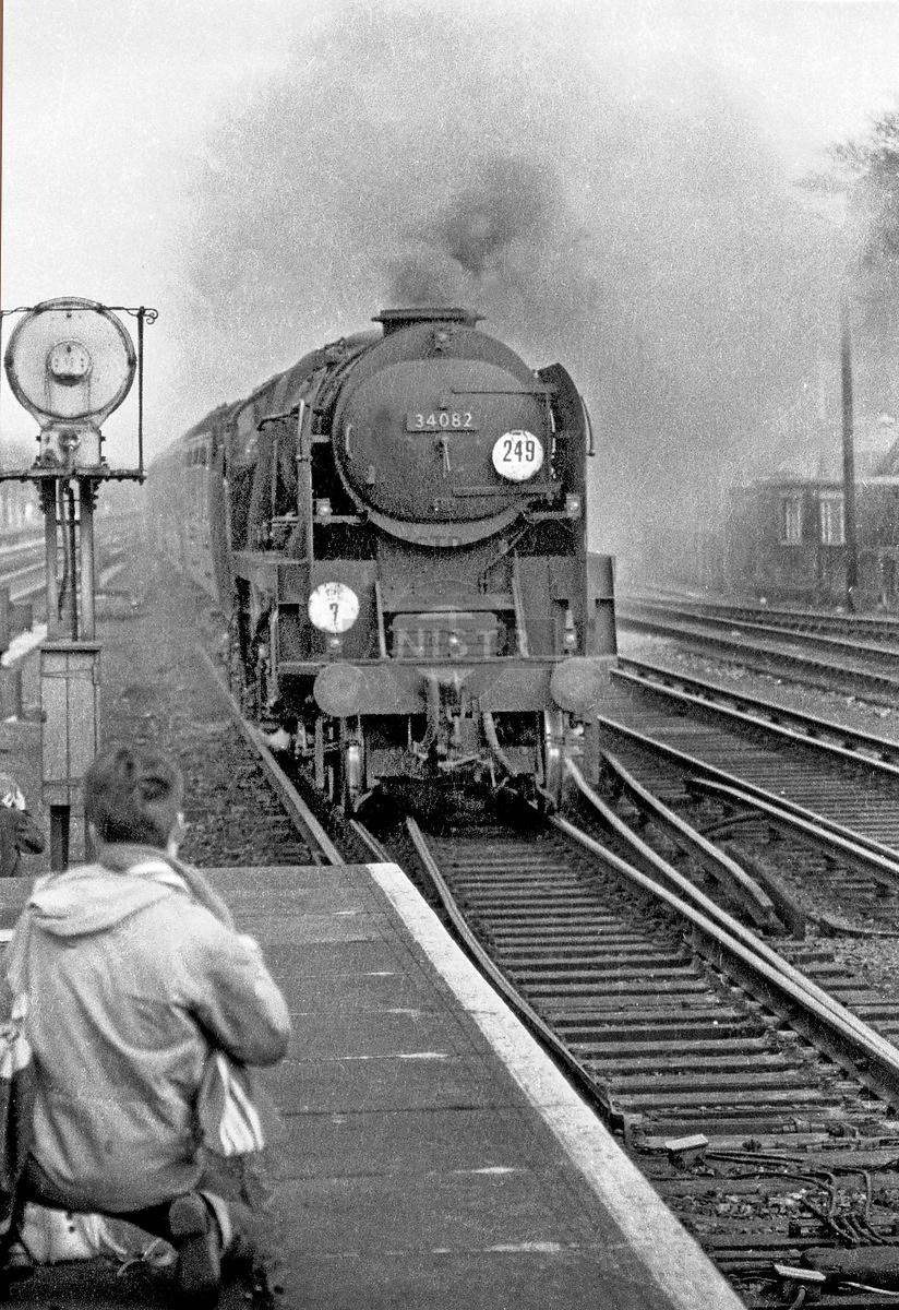 Steam loco BB 34082 Woking