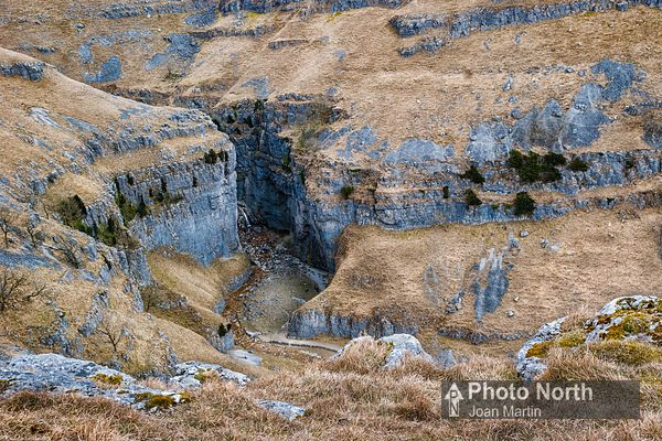 MALHAM 32A - Gordale Scar from New Close Knotts