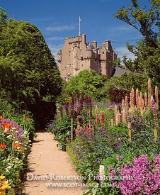 Image - June Border, Crathes Castle, Aberdeenshire, Scotland