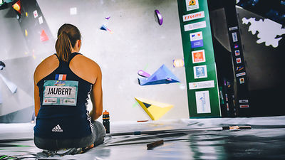 QUALIF_WOMEN_BOULDER_WOMEN_AgenceKros_RemiFabregue-2