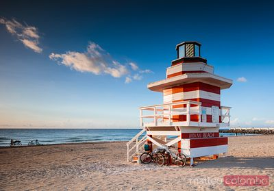Red and white lifeguard tower, South beach, Miami