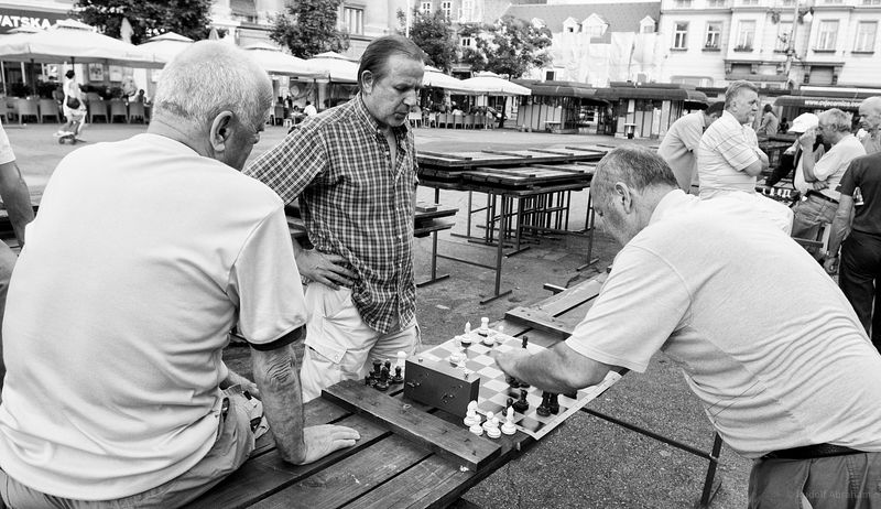 Britanski trg chess players, Zagreb, Croatia