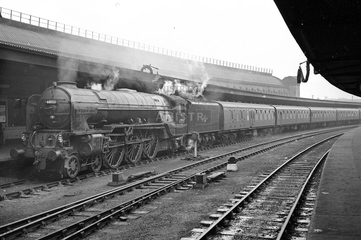 Steam loco A1 60153 York