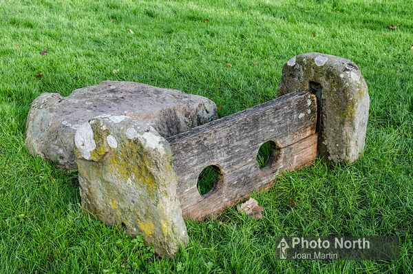 BAINBRIDGE 03A - Village Stocks