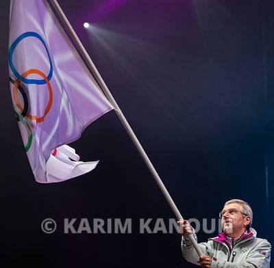 Lausanne_2020_-_flag-handover_ceremony_-_president_of_IOC
