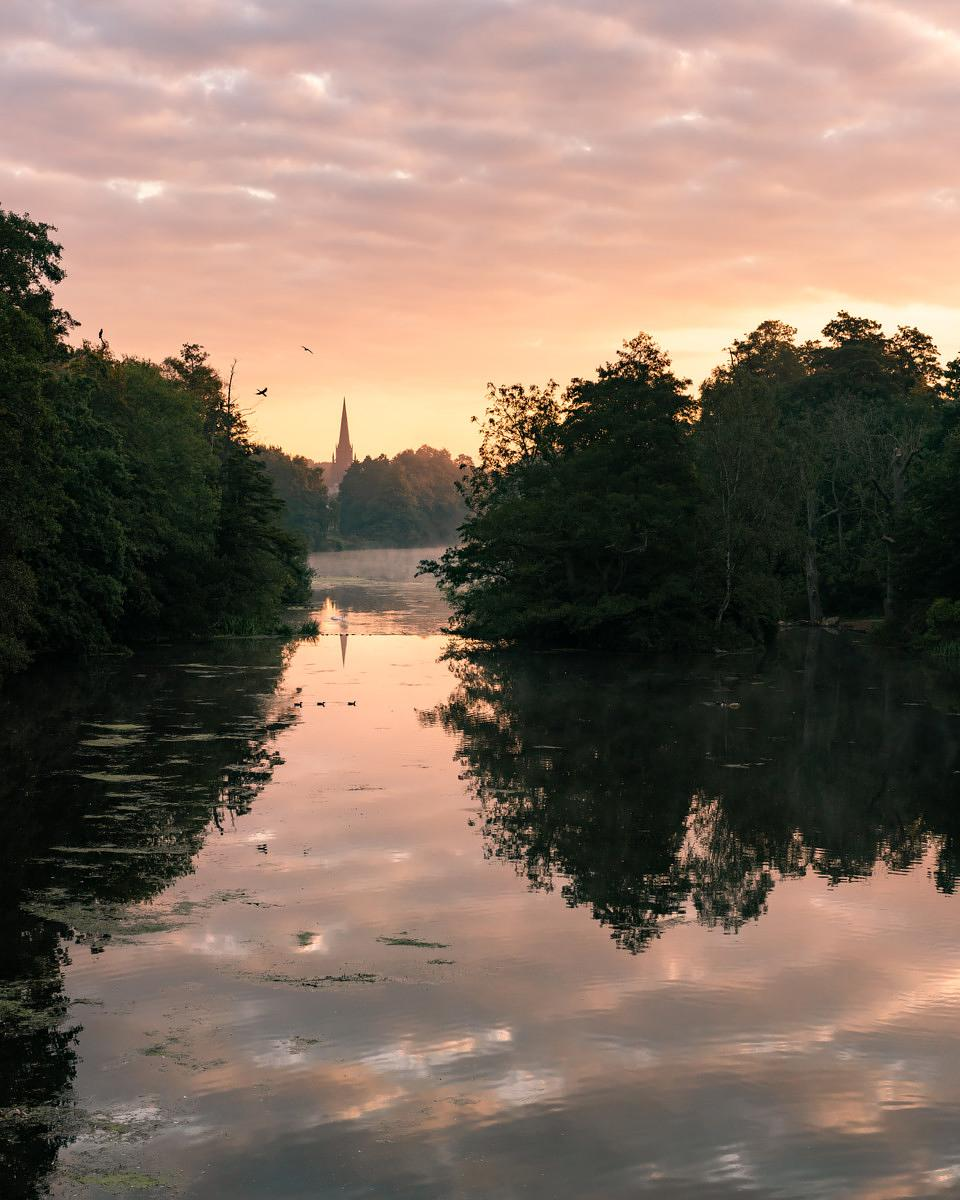 Sunrise by the lake in Clumber Park