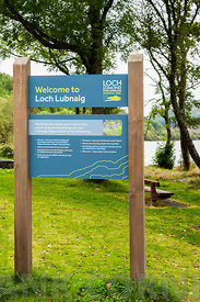 CALlANDER, SCOTLAND AUGUST 24, 2014: Welcome sign at the Loch Lomond and Trossachs National Park site at Loch Lubnaig near Ca...