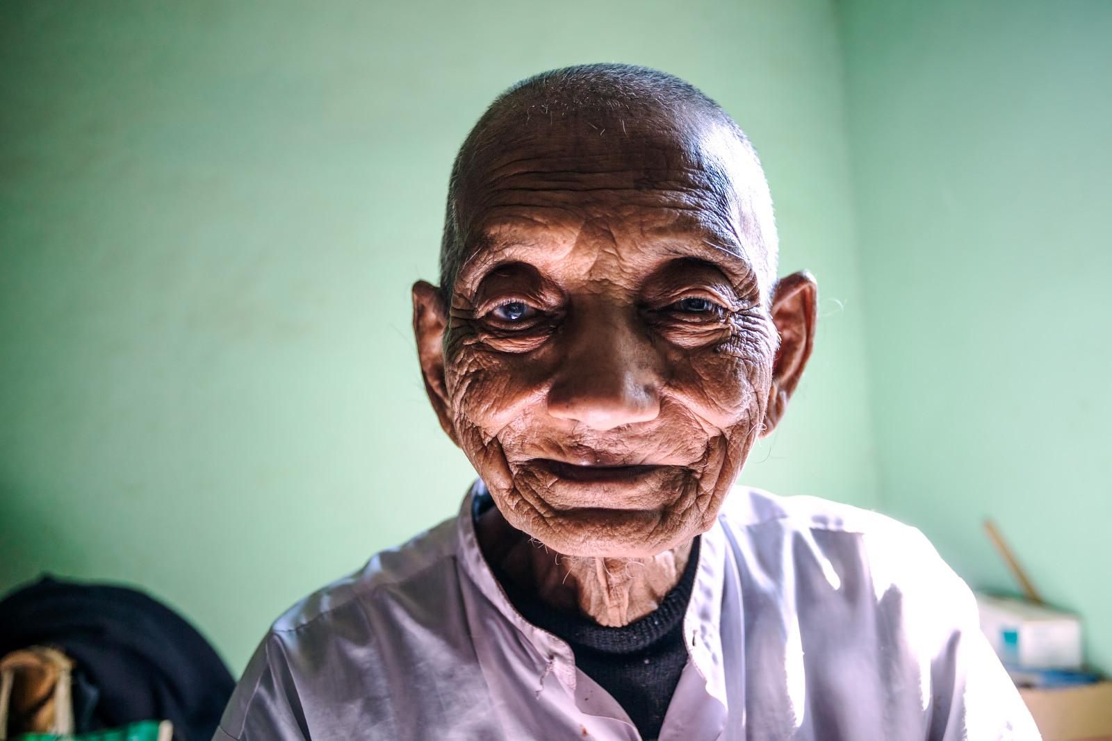 Portrait of old burmese man, Mandalay, Myanmar