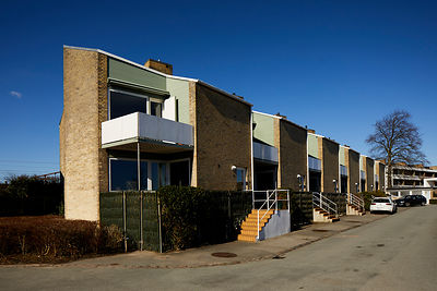 Klampenborg, Arne Jacobsen row of Søholm II houses