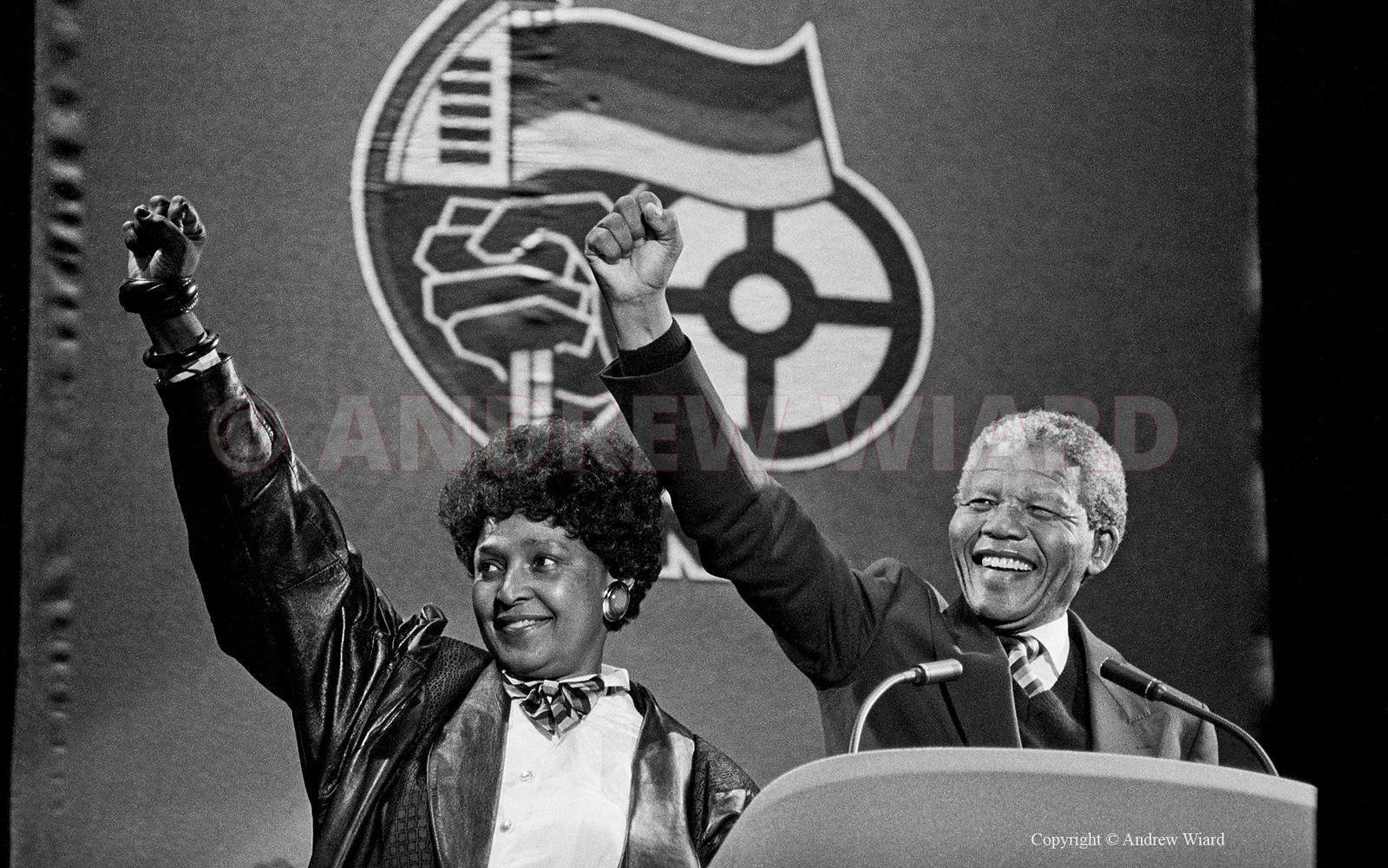 England, UK .16.4.1990. London . Wembley Stadium. Mandela Concert. Nelson & Winnie Mandela arrive onstage after his release f...