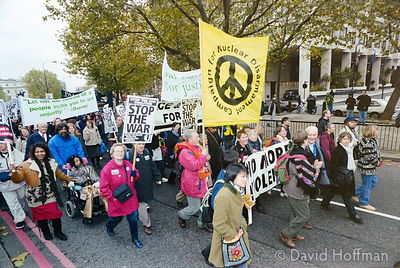 01111904-12 Peace march, London.19 Nov 2001