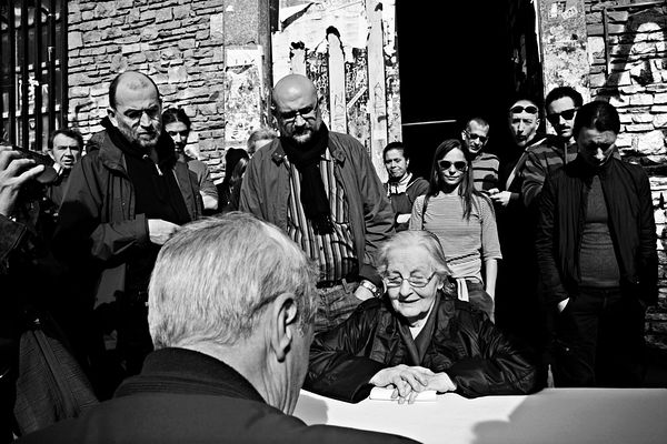 2010 - Another eviction appointment with bailiff Gaetano Bellitto. Luciana Castellini (sitting) as Leoncavallo's main represe...