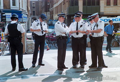 Police at an animal rights protest against experiments on live animals by Huntingdon Life Sciences, London..22 Aug 2001.