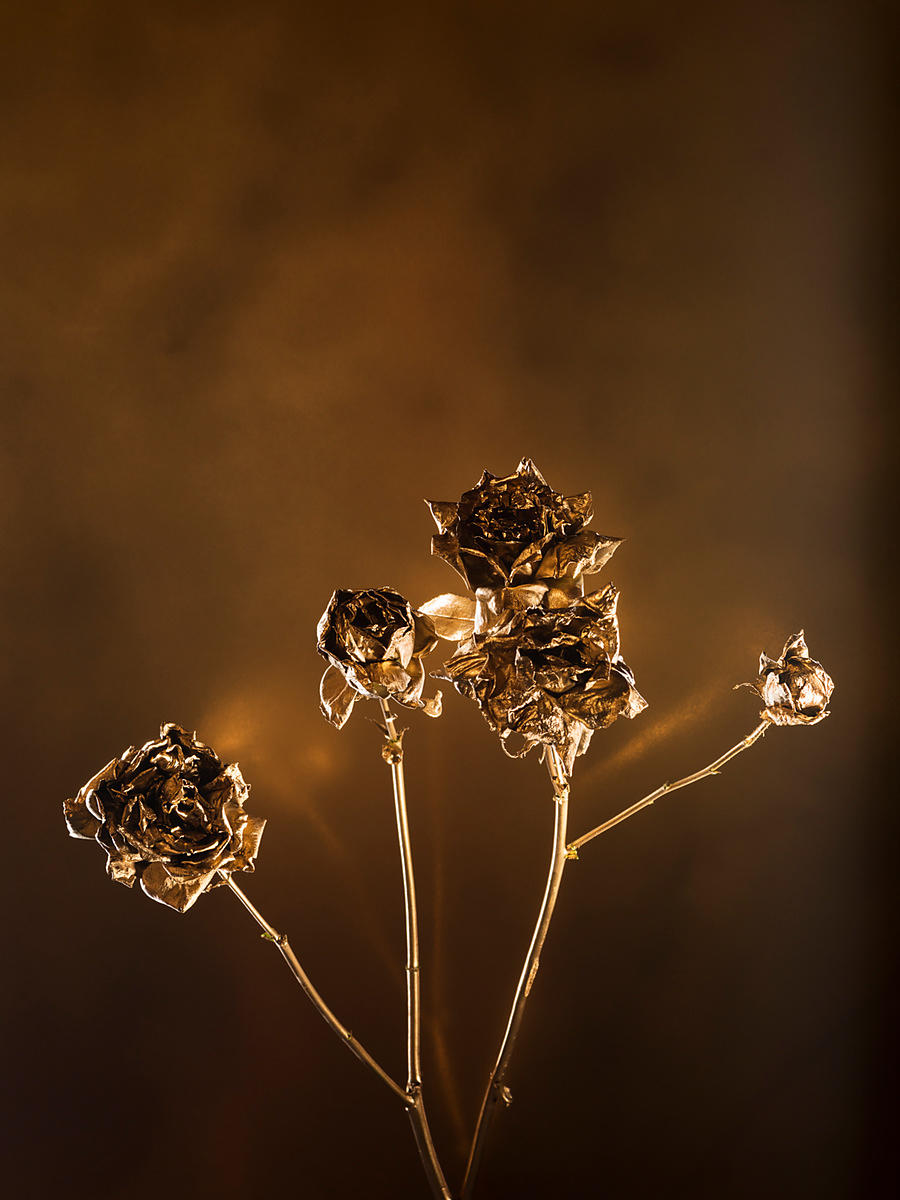 FLOWERS-GOLD-103
