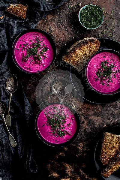 Vegan beetroot soup