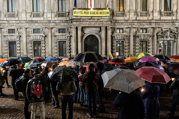 A memorial event for Giulio Regeni was organized in front of the Milan City Hall (Palazzo Marino) in Piazza della Scala.