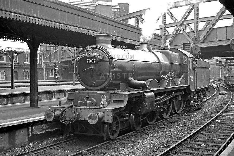 Steam loco Castle 7007 Paddington