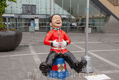 Scots Guard Wullie outside Dundee Train Station