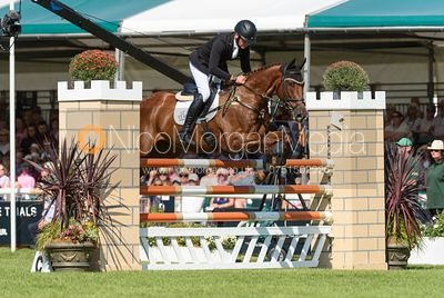 Dan Jocelyn and DASSETT COOL TOUCH, showjumping phase, Land Rover Burghley Horse Trials 2018