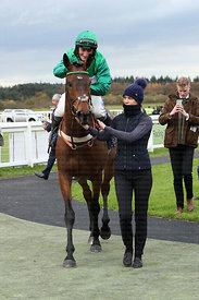 2:10  Coral Haldon Gold Cup (Grade 2 Limited Handicap Chase)
