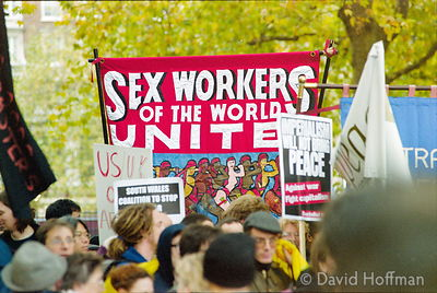 01111903-6a Peace march, London.19 Nov 2001