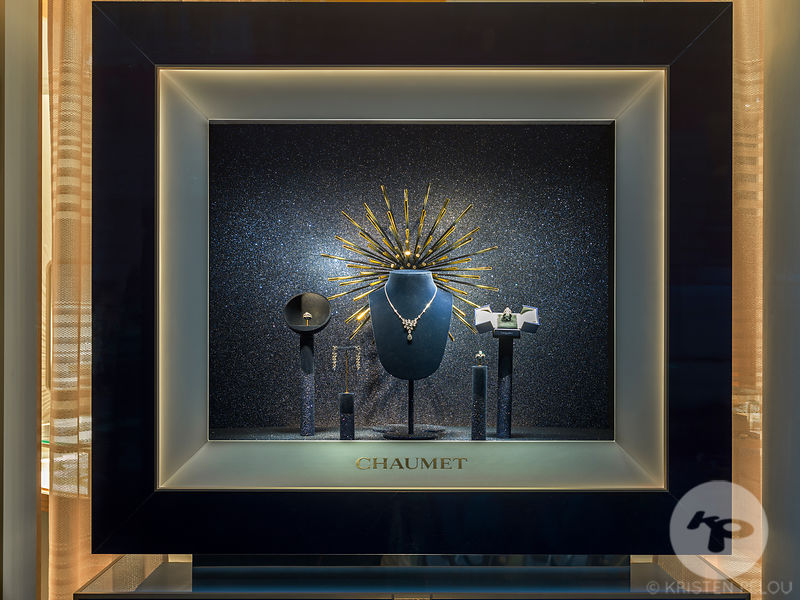 CHRISTMAS WINDOWS CHAUMET PARIS