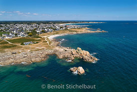 France, Finistère (29), Lesconil, rocher Goudoul (vue aérienne) // France, Finistere, Lesconil, Goudoul rock (aerial view)