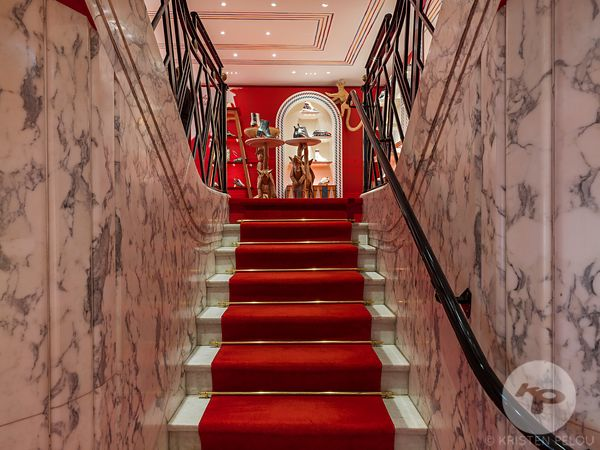 BOUTIQUE LOUBOUTIN SAINT HONORE PARIS