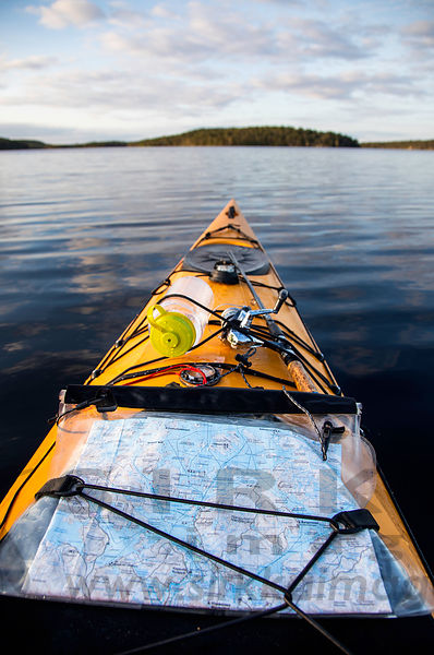 Kayaking on Lake Inarijärvi