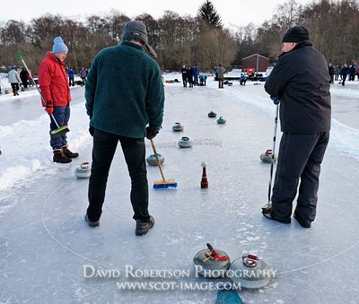 Image - Curling match, Lake of Menteith