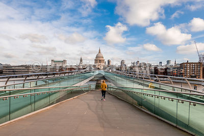 Runner on an empty Millennium Bridge