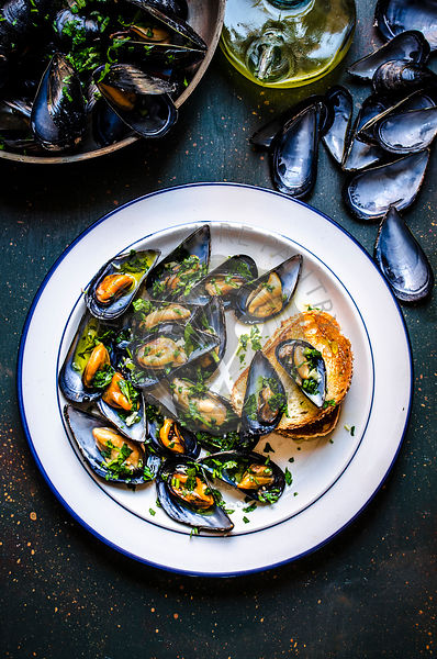 Mussels with parsley, garlic and olive oil