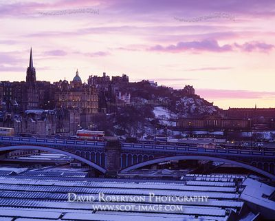 Image - Waverley Train Station, North Bridge and Edinburgh Castle