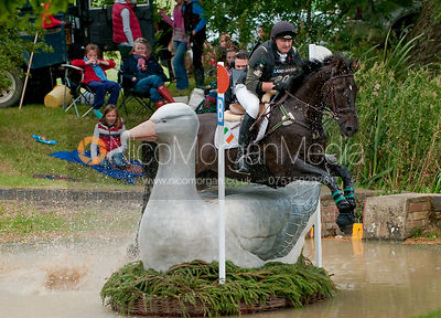 Paul Donovan and Sportsfield Sandyman at Burghley Horse Trials 2009 - Land Rover Burghley Horse Trials 2009